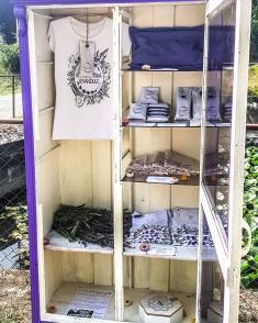 samoobslužná levandulová skříň